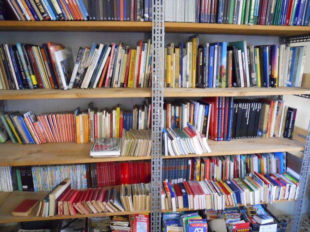 libri-di-viaggi-e-cartine-by-Mercatino-la-Pulce-Cocquio